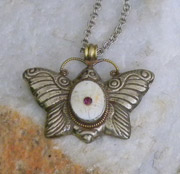 Silver-plated butterfly, hand-carved Tibetan pendant necklace